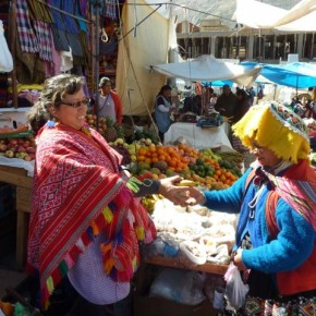 Comes from the Yana Tile Valley and has been selling fruit in Pisaq for 20 years.  She sells colourful and exotic fruit from the jungle, Andean Valleys and the coast.  Her non cold storage fruit is available in Pisaq and all year.